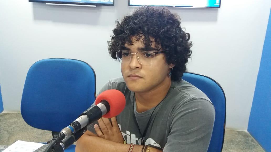 Emerson Castro, Relações públicas do Grupo de Apoio ao bem estar animal.